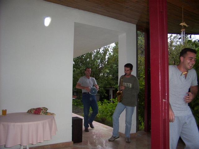 Çalışma sonrası Mehmetin evine gittik